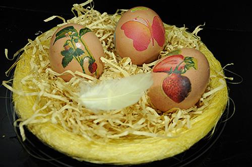 αβγά πασχαλινά με ντεκουπάζ
